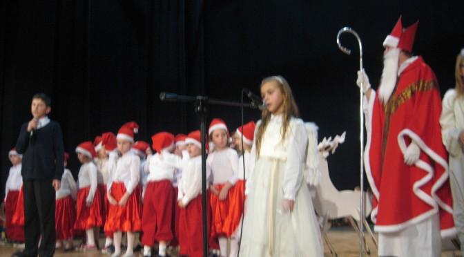 """""""Wiolinki"""" na mikołajkach Fundacji Otwartego Serca"""