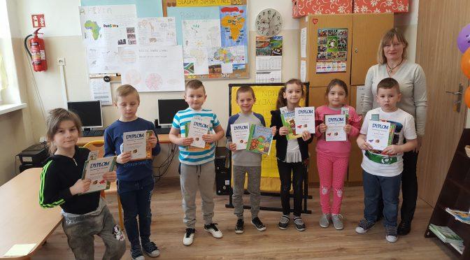 Nowi czytelnicy w szkolnej bibliotece